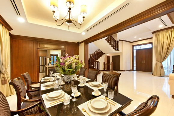Living and dining area 04